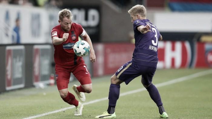 Heindeheim bate Erzgebirge Aue e conquista primeiro trunfo na 2. Bundesliga
