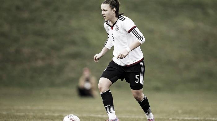 Tanja Pawollek signs for 1. FFC Frankfurt