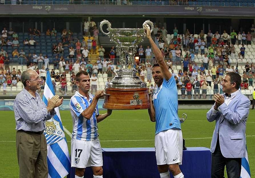 El Málaga deja el trofeo Costa del Sol en La Rosaleda