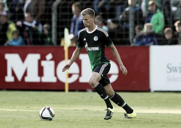 Dispensado do Schalke, zagueiro Marvin Friedrich assina com Augsburg por três temporadas