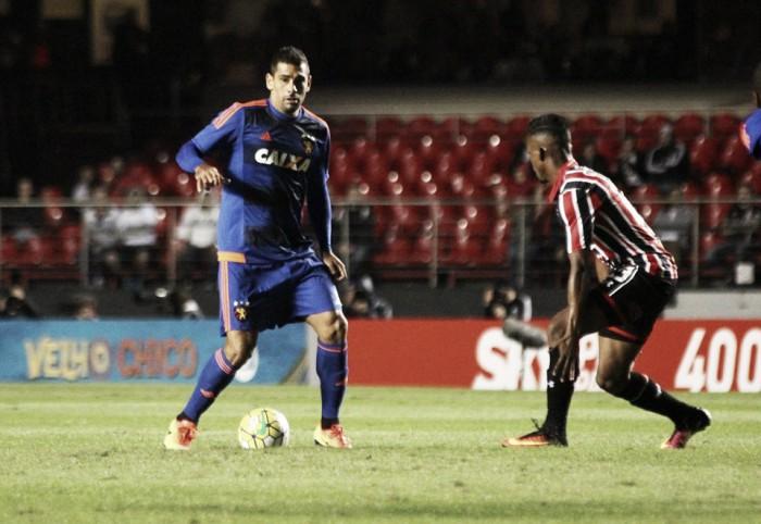 """Diego Souza mostra otimismo ao apontar evolução do Sport: """"Vamos sair dessa situação"""""""