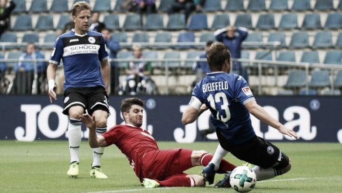Duisburg surpreende e goleia Arminia Bielefeld na 2. Bundesliga