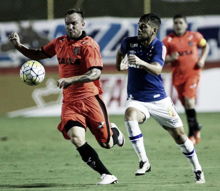 Em crise no Brasileiro, Cruzeiro defende vantagem na Copa do Brasil diante do Vitória