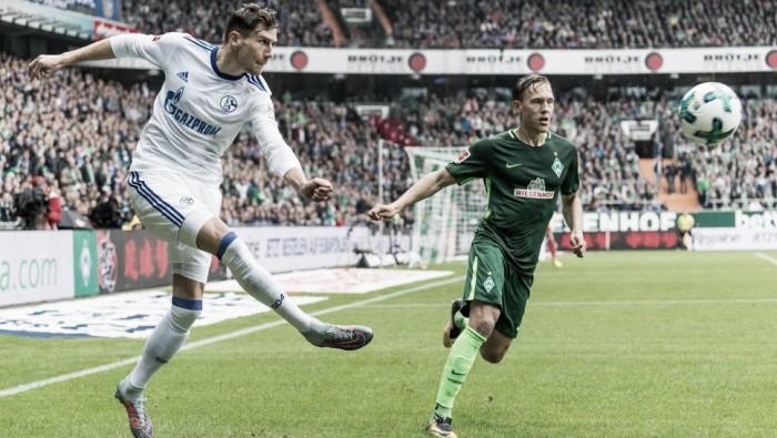 Werder Bremen sofre virada no fim diante do Schalke 04 e segue sem vencer