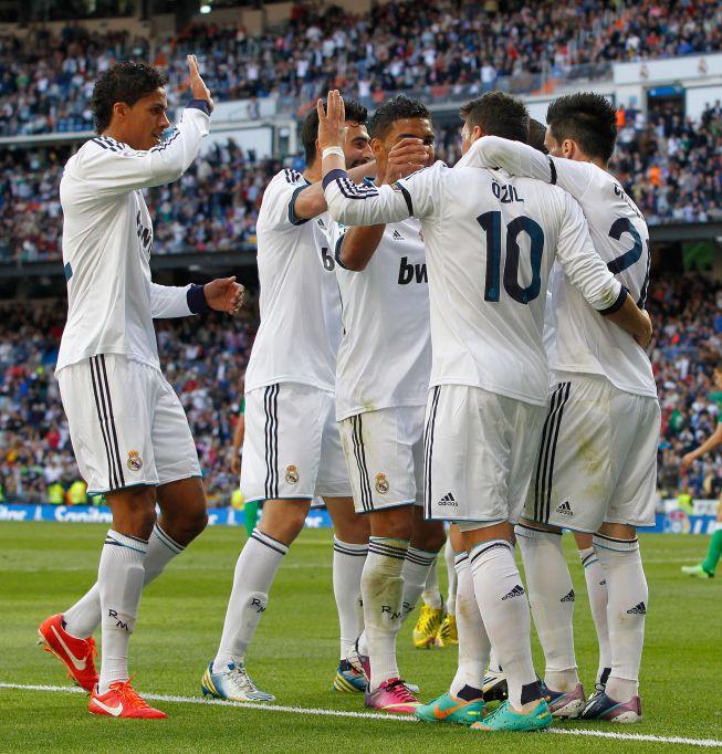 Com Casemiro de titular, Özil brilha e garante a vitória do Real