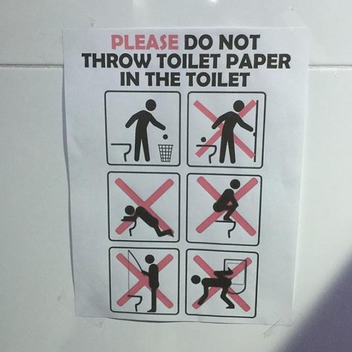 É possível pescar no banheiro da Vila Olímpica? Avisos dizem que sim