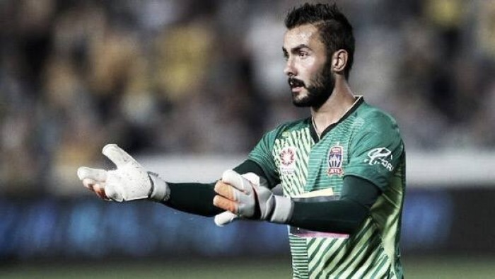 Report: Goalkeeper Mark Birighitti set to join Swansea
