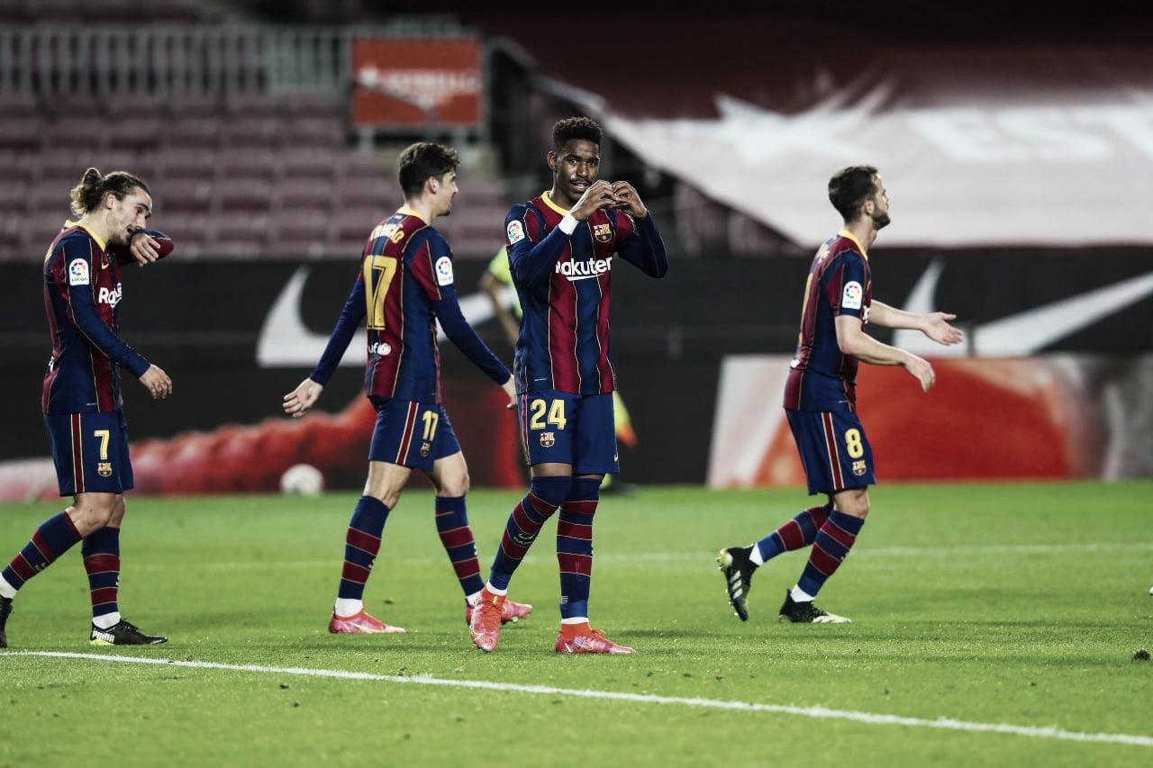 Barcelona e Leeds United finalizam transferência de Junior Firpo