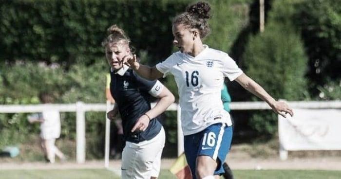 Ashlee Brown swaps Birmingham for Villa