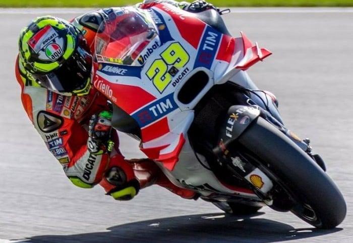 MotoGP, in Austria è dominio Ducati! Iannone vince davanti a Dovizioso