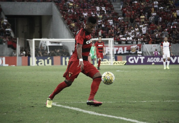 Em preparação para jogo contra Botafogo, Rogério é poupado de treino no Sport
