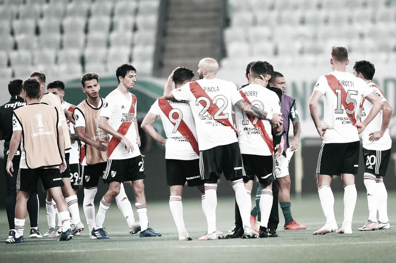 TRISTEZA. Los rostros de los jugadores de River una vez finalizado el partido del martes. Foto: Prensa River Plate