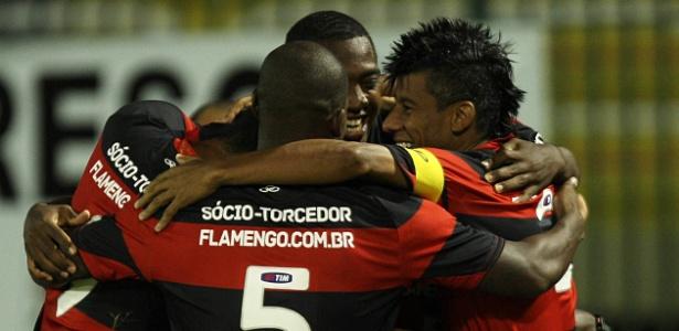 Com três gols de Hernane, Flamengo vence novamente o Remo e avança na Copa do Brasil