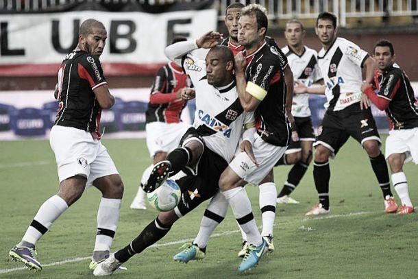 Em jogo com muitas chances, Joinville e Vasco empatam sem gols