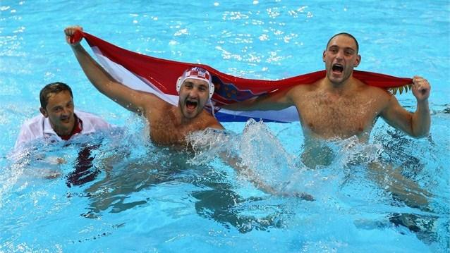Croacia se baña en el oro del waterpolo