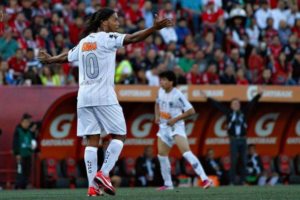 Pumas y Ronaldinho: visión imposible para los directivos