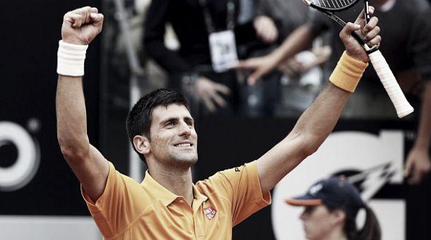 A Roma non c'è storia. Djokovic batte Federer 6-4, 6-3 e si laurea campione per la quarta volta