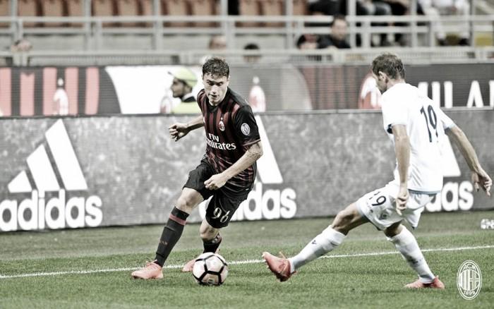 Agente exalta Calabria e assegura confiança do Milan no jovem lateral