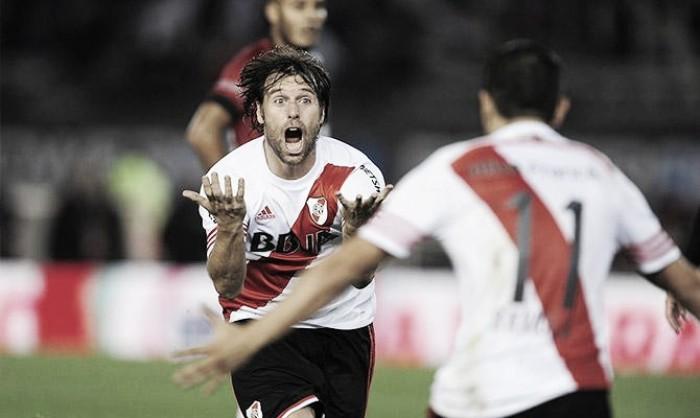 A un año del último gol de Cavenaghi en River