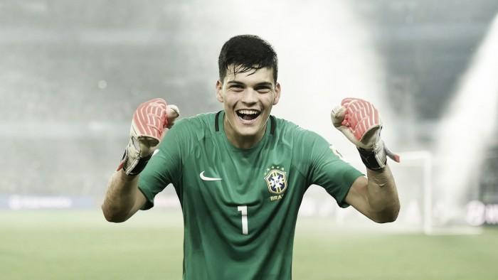 Gabriel Brazão, da base do Cruzeiro, é premiado como melhor goleiro do mundial sub-17
