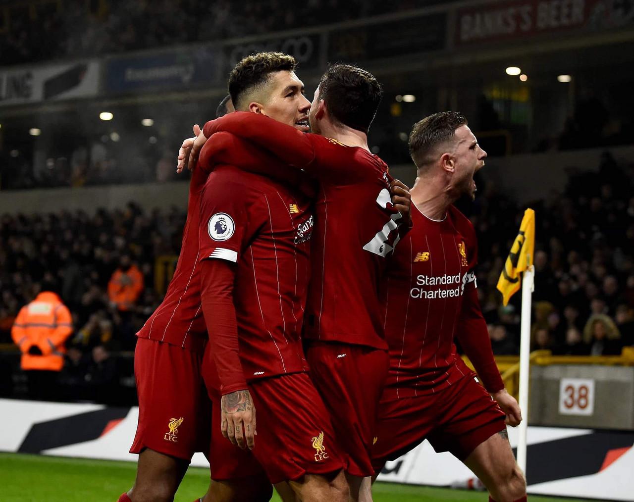 Liverpool permanece invicto