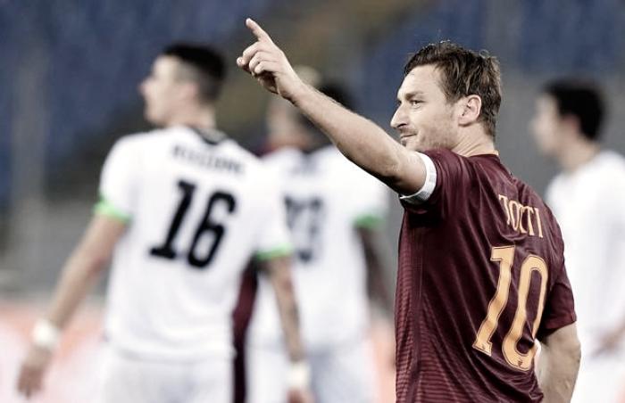 Coppa Italia: la Roma passa solo nel recupero. Decide Totti su rigore, eliminato il Cesena (2-1)