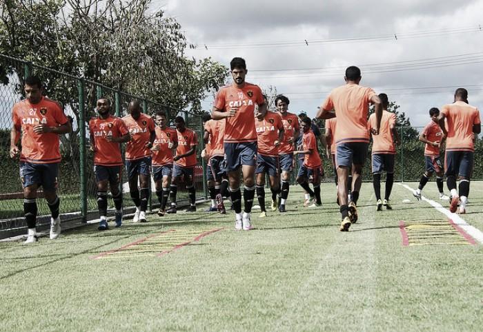 Sem peças na defesa, Sport segue preparação para jogo contra Coritiba