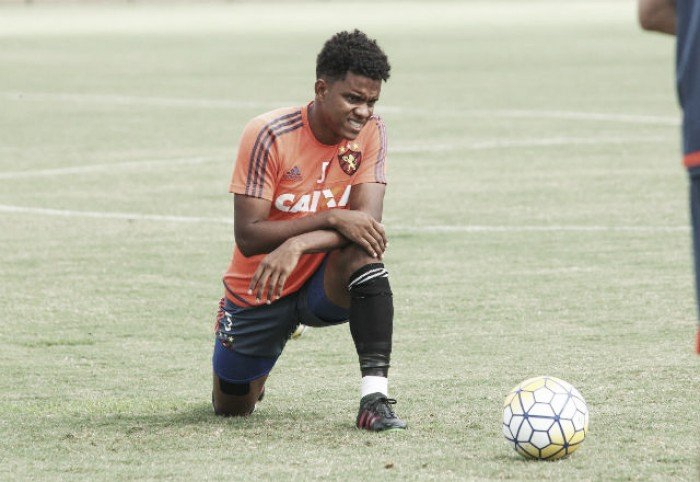 Sport encerra preparação para jogo contra Vitória com Rithely vetado e Auro relacionado