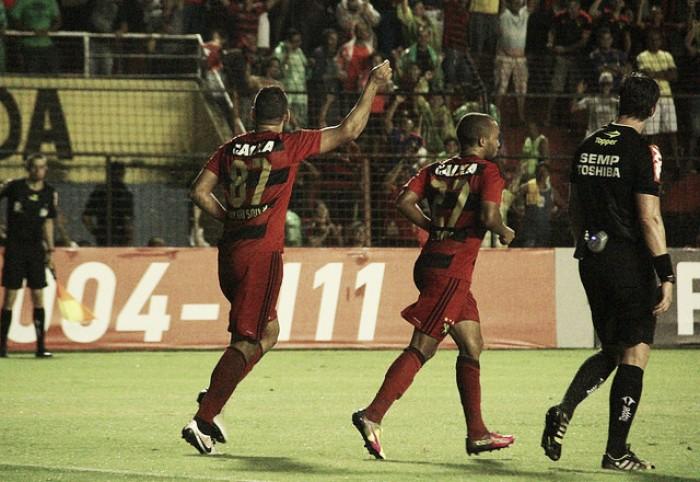 Diego Souza decide no fim, Sport vence Fluminense e deixa lanterna do Brasileirão