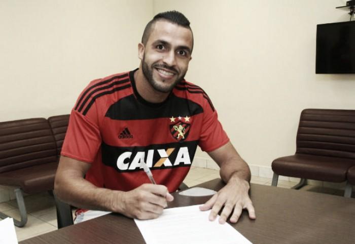Sport oficializa contratação do zagueiro Ronaldo Alves por duas temporadas e meia