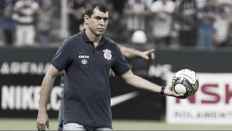 """Carille avalia má atuação e derrota do Corinthians em Chapecó: """"Preocupante"""""""