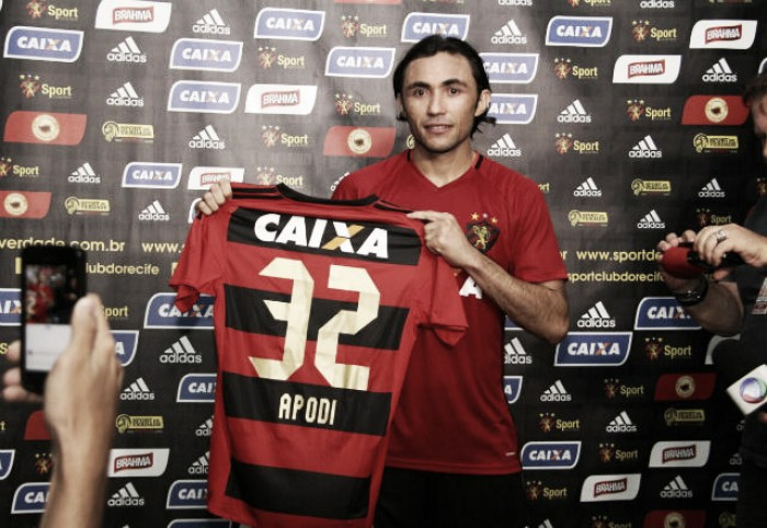 """Apodi mostra disposição ao ser apresentado no Sport: """"Sempre estarei pronto para ajudar"""""""