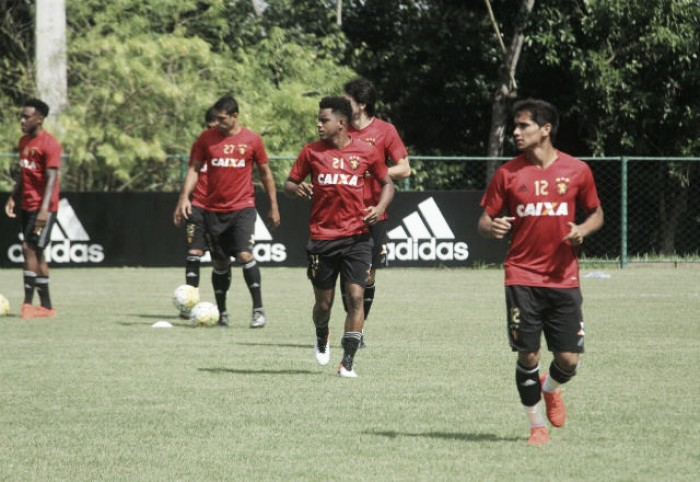 Oswaldo confirma retorno de Rodney Wallace e define Sport para duelo com Cruzeiro