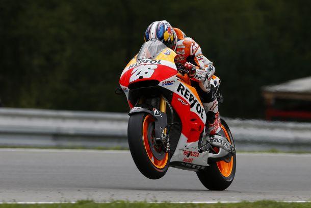 A Brno Pedrosa interrompe il dominio di Marquez, Lorenzo e Rossi sul podio
