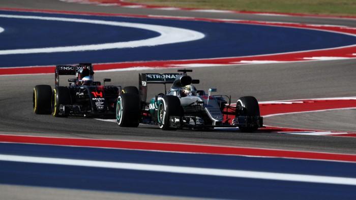 F1: Lewis Hamilton detta il passo nelle FP1 ad Austin