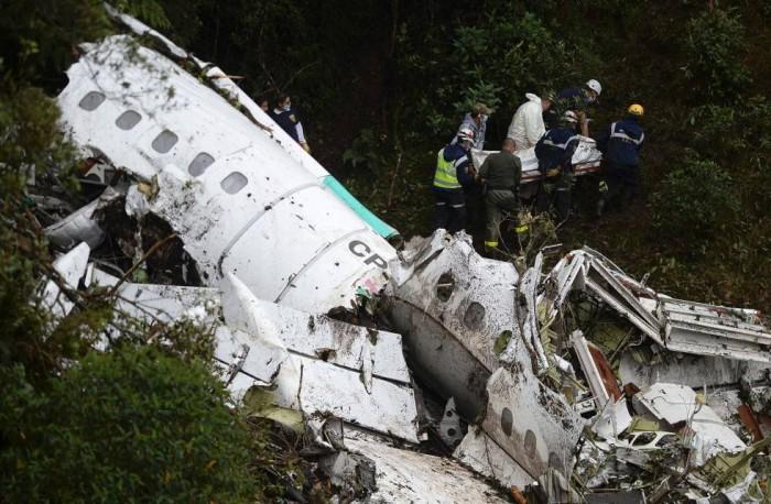 Conmoción mundial por muerte de jugadores de Chapecoense en accidente aéreo