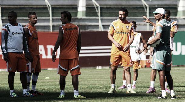 Ataque do Fluminense permanece indefinido para o confronto diante do Coritiba