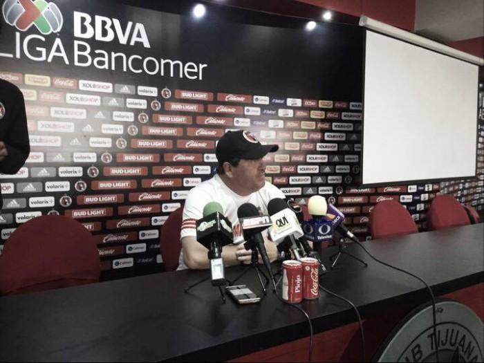 """Miguel Herrera: """"El objetivo primario es alejarnos de la porcentual"""""""
