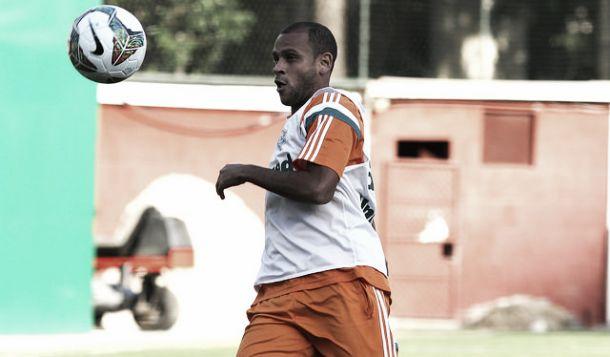 Renovações de Carlinhos e Cavalieri com o Fluminense dependem do aval de Celso Barros