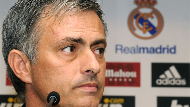 Real Madrid anuncia saída de José Mourinho