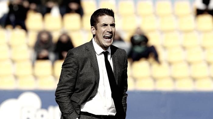 """Julio Velázquez: """"El equipo llega con una mentalidad muy positiva"""""""