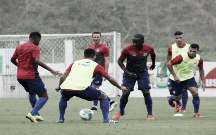 Desfalcado, Náutico encerra preparação para jogo contra Luverdense