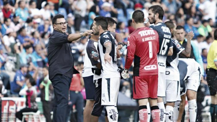 El futbolista mexicano puede jugar en cualquier liga del mundo: Mohamed