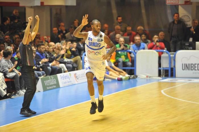 Lega Basket, Brindisi torna alla vittoria contro Cantù (90-82)