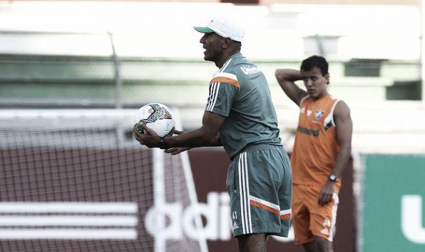 Flu deve ter desfalques de Cavalieri, Edson, Valencia e Sobis para o jogo contra o Goiás