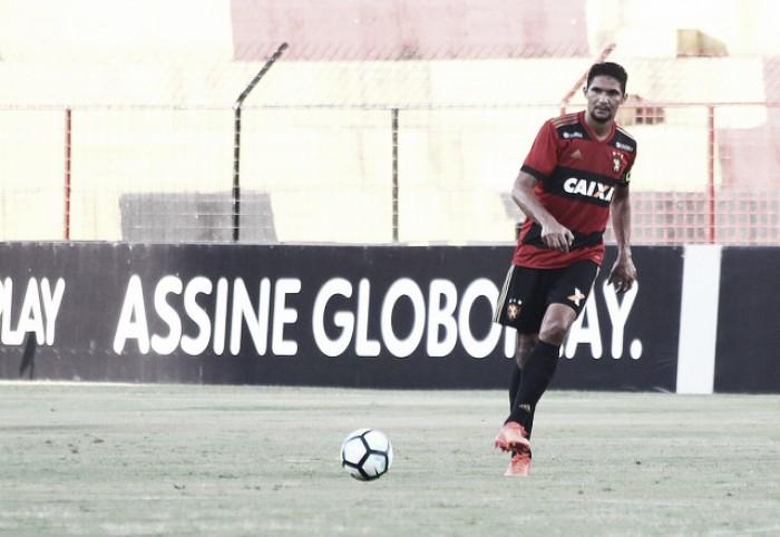 """Durval acredita que partida contra Fluminense é decisiva: """"jogo de vida ou morte"""""""