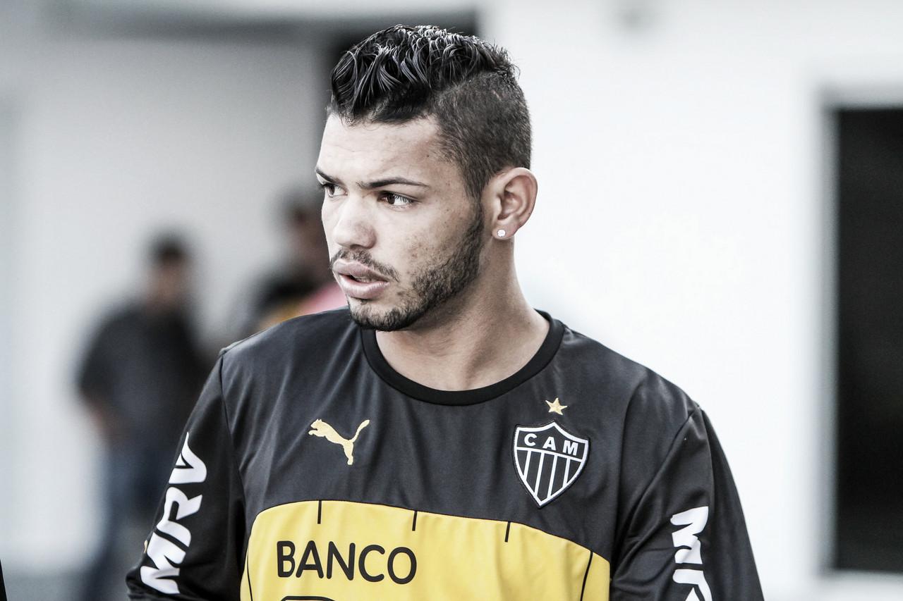 Carlos acerta com Vitória de Setúbal e deixa Atlético-MG em definitivo após dez anos