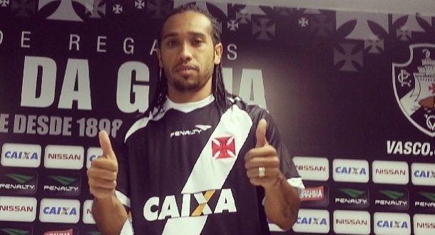 Vasco apresenta Everton Costa e anuncia acordo com Juninho