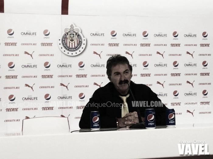 Feliz por el pase a semifinales, La Volpe elogia a Ambriz