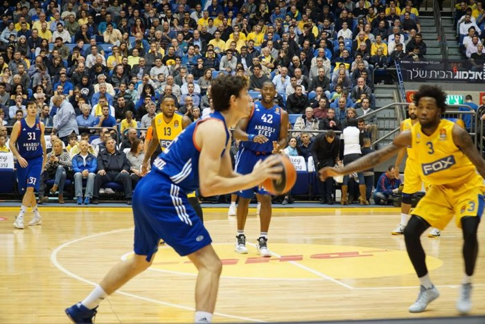 Eurolega, l'Efes batte il Maccabi e lo aggancia in classifica